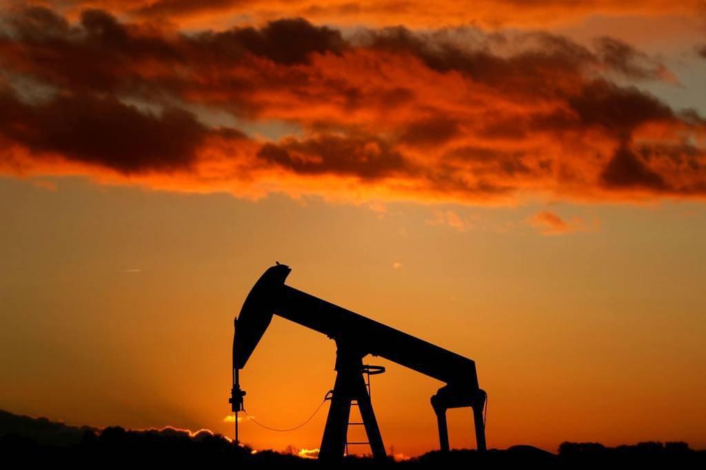 Campo de exploração de petróleo