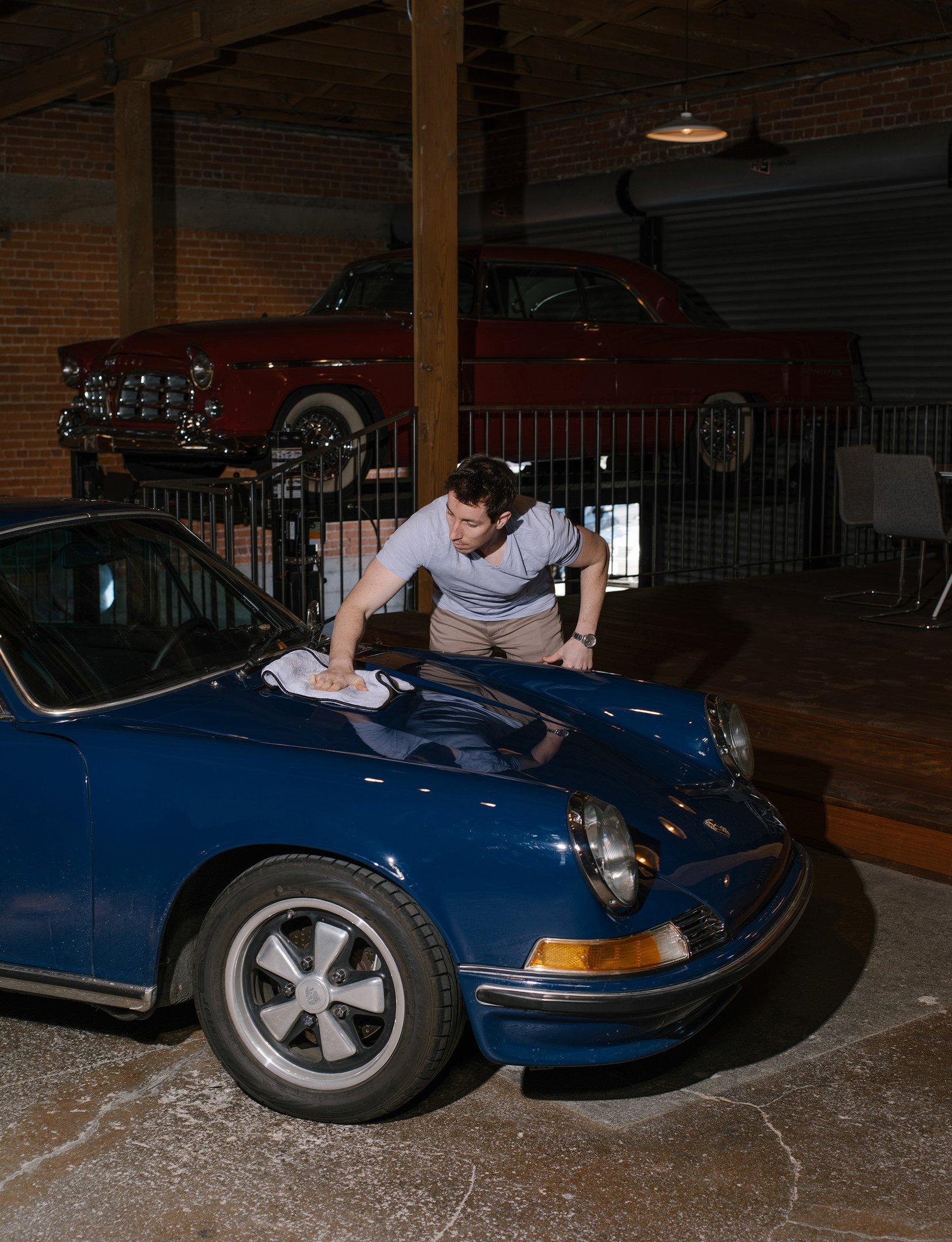 Um modelo Porsche na Bring A Trailer