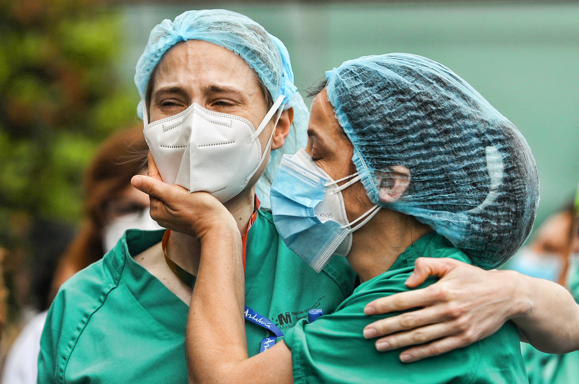 90 mil profissionais de saúde do mundo estão com covid-19, diz ICN ...
