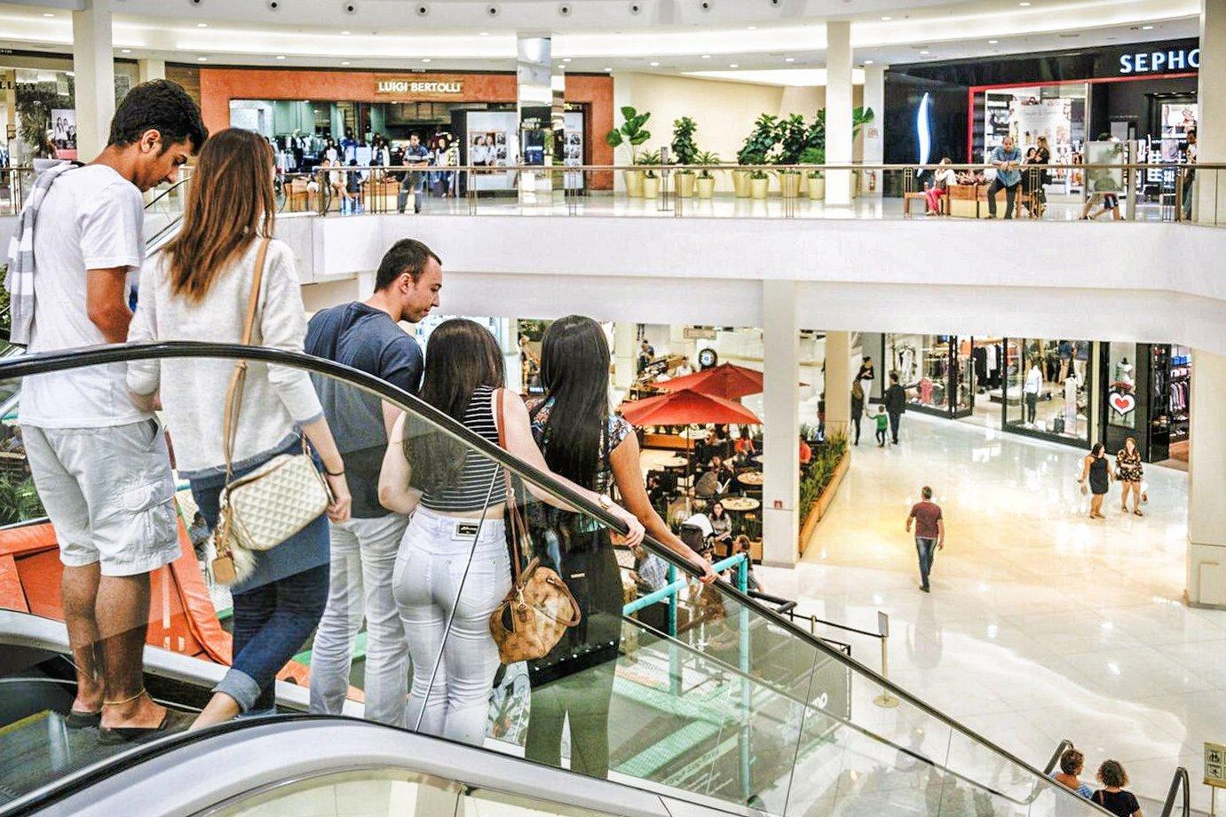 Shoppings preparam reabertura com termômetros e drive thru, mas sem cinema  | Exame