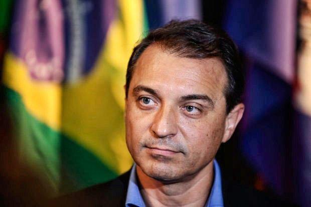 Carlos-Moisés