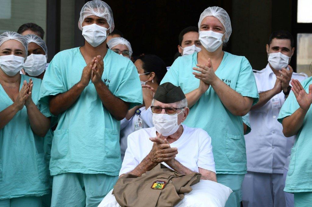 Brasil tem 14 mil pacientes recuperados da covid-19, diz Saúde | Exame