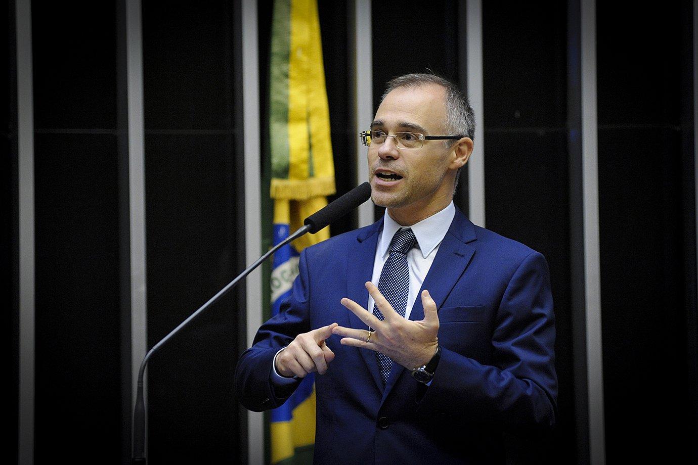 André Mendonça é nomeado ministro da Justiça do governo Bolsonaro