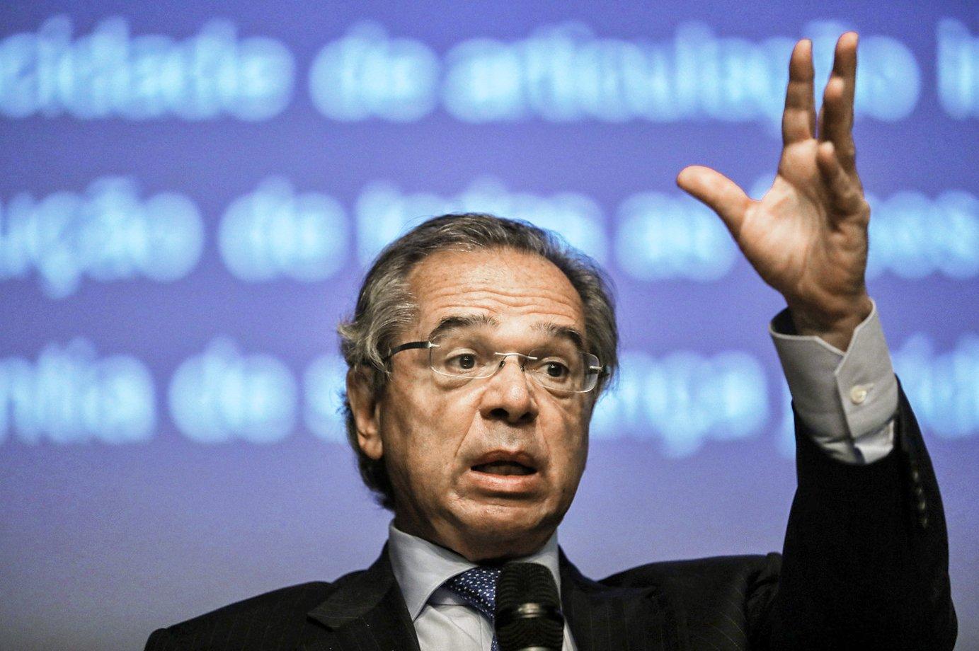 Vamos prosseguir com reformas e economia vai surpreender, diz Guedes
