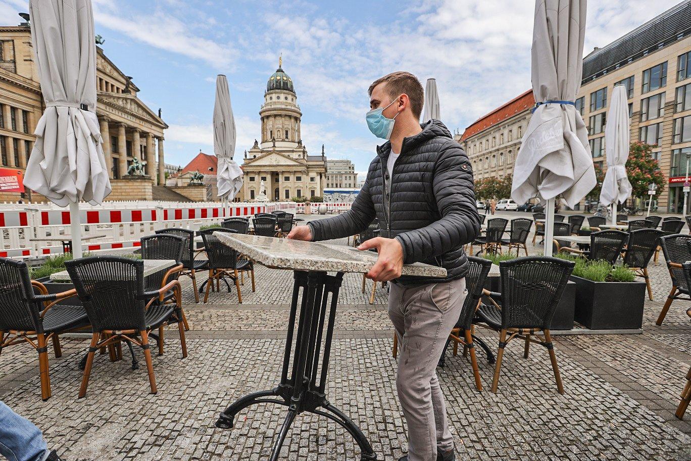 RESTAURANTE EM BERLIM: Alemanha começa a retomar a rotina após 177.000 casos de coronavírus / REUTERS/Fabrizio Bensch