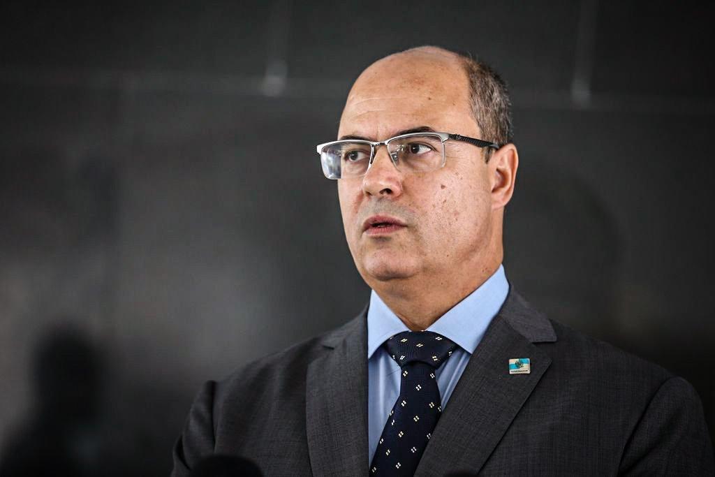 """Desafeto de Bolsonaro, Witzel deseja """"pronta recuperação"""" ao presidente"""