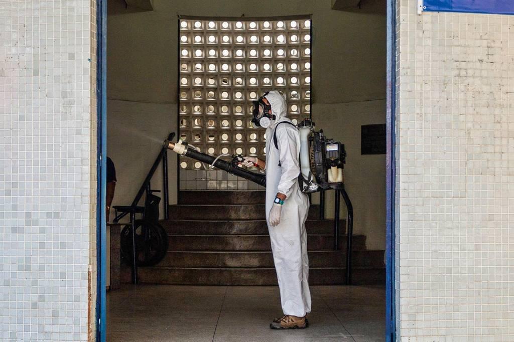 Pernambuco adota lockdown após mil mortes por coronavírus