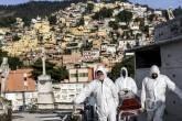 Mortes por coronavírus no Brasil batem recorde