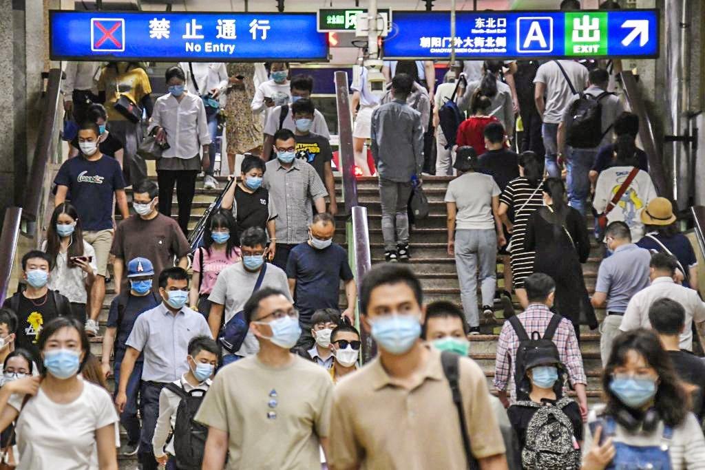 Covid-19 na China: Novo surto de coronavírus em Pequim está sob controle, diz médico chinês