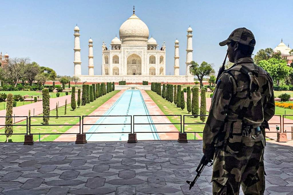 Taj Mahal, na Índia, seguirá fechado por alta de casos da covid-19