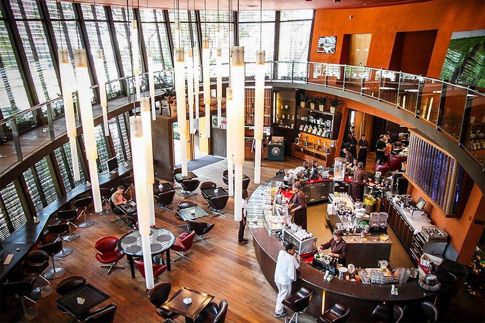 """Octávio Café, na Faria Lima, em Sâo Paulo: interior frequentado por empresários do """"condado"""""""