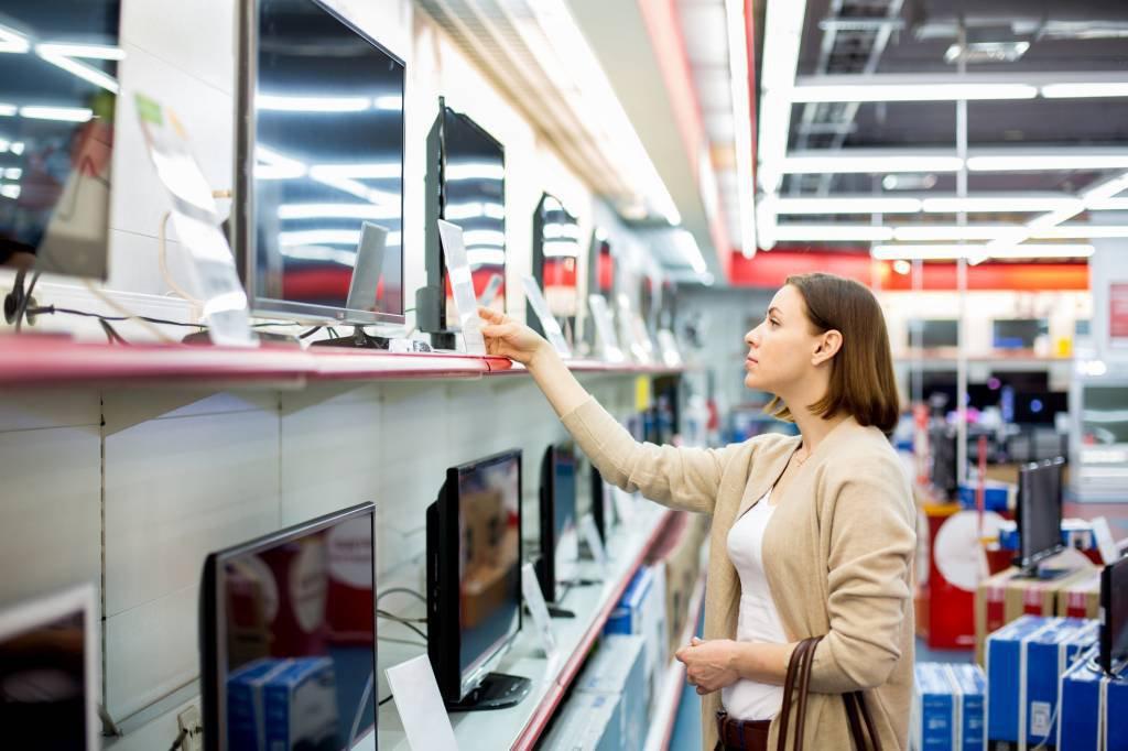 Compra de TV no supermercado