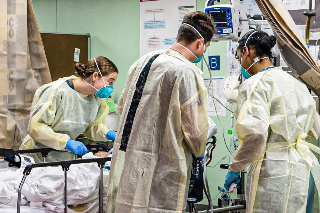 Coronavírus nos EUA: Infecções por coronavírus disparam na Califórnia e hospitalizações crescem 50%