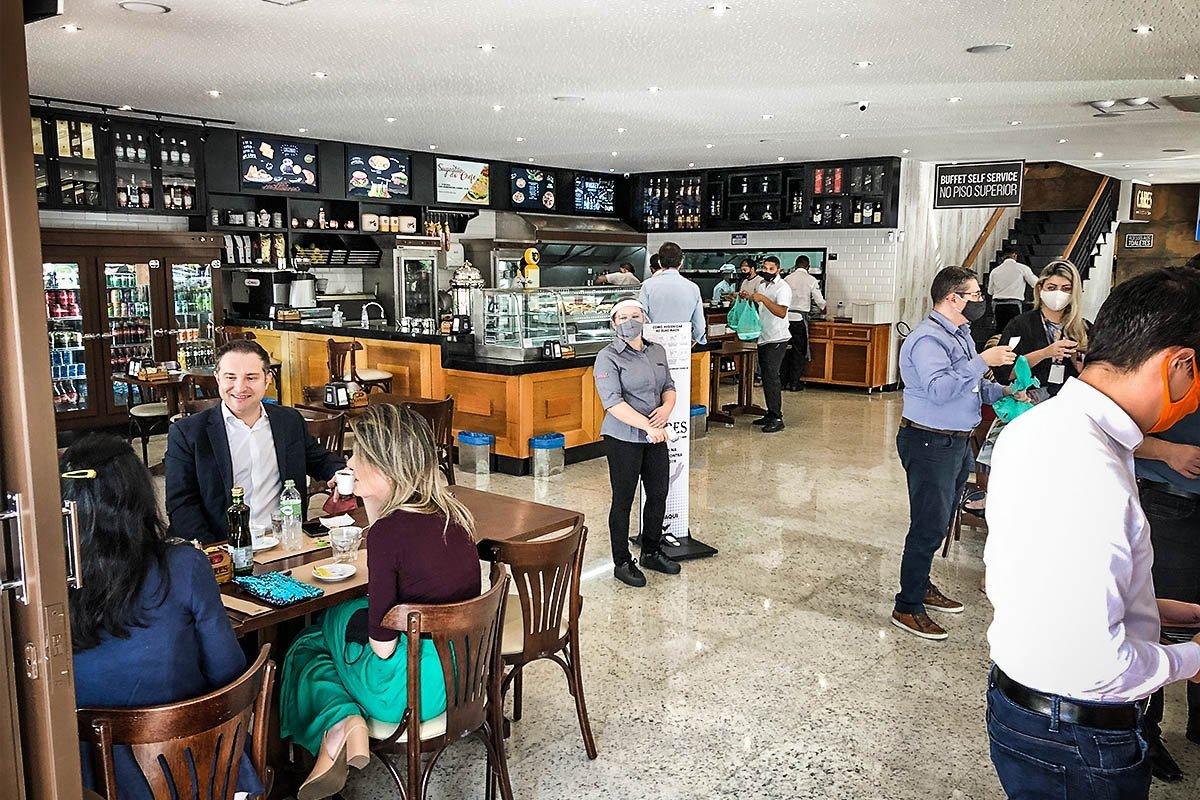 Doria anuncia redução do ICMS para bares e restaurantes de São Paulo