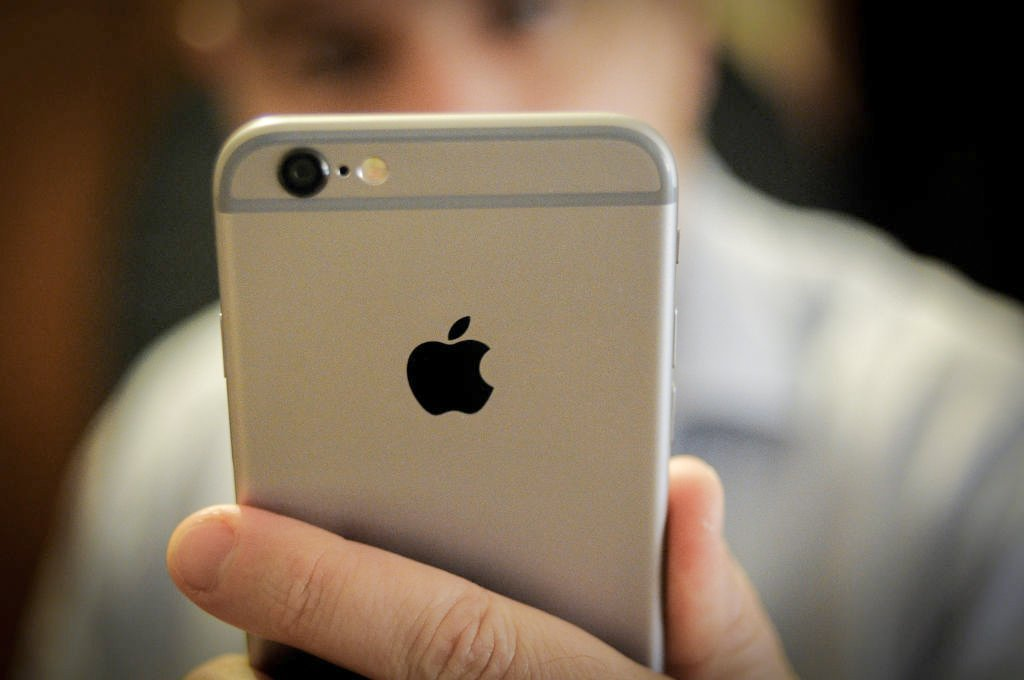 Apple smartphone iPhone 6s