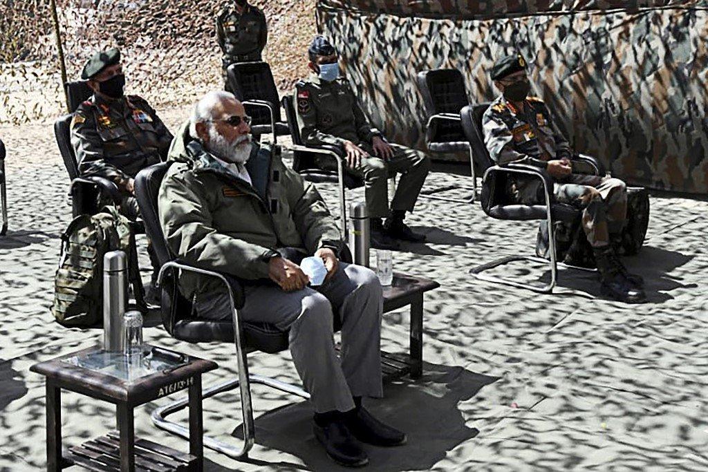 Primeiro-ministro da Índia visita região em conflito com a China