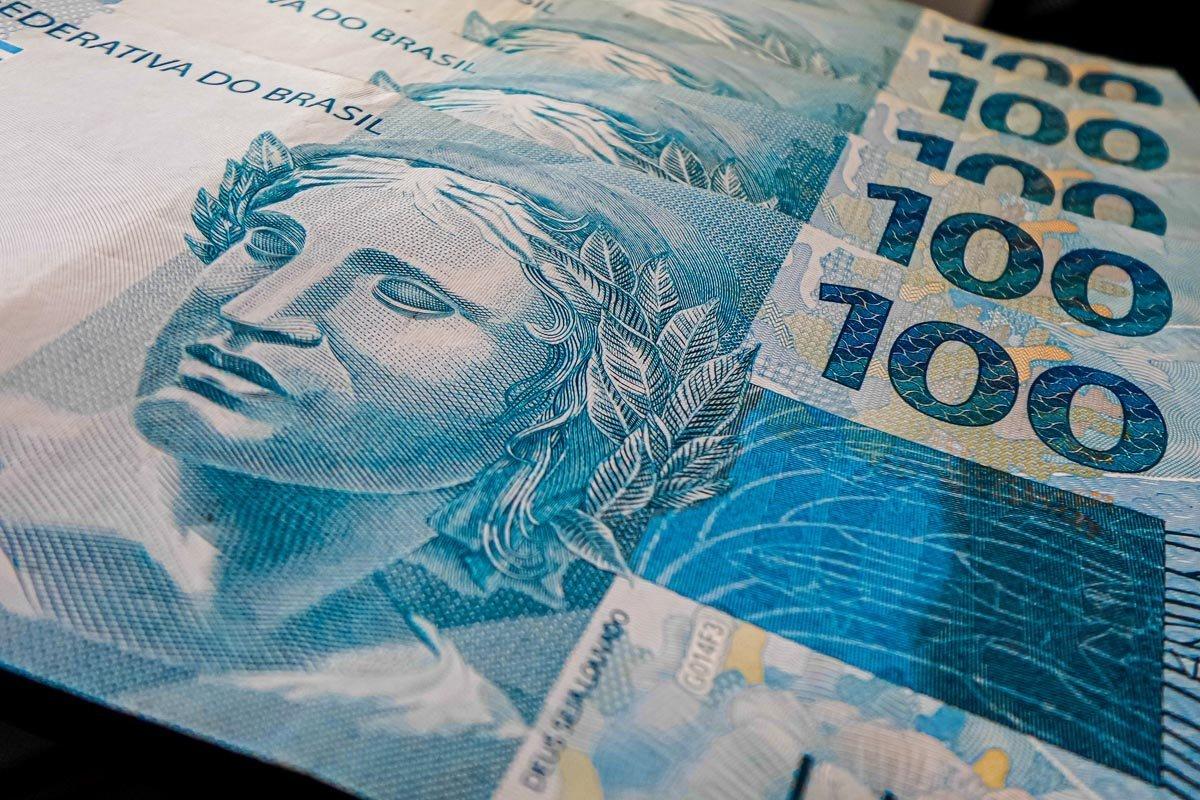 salario minimo dinheiro nota real 100-2