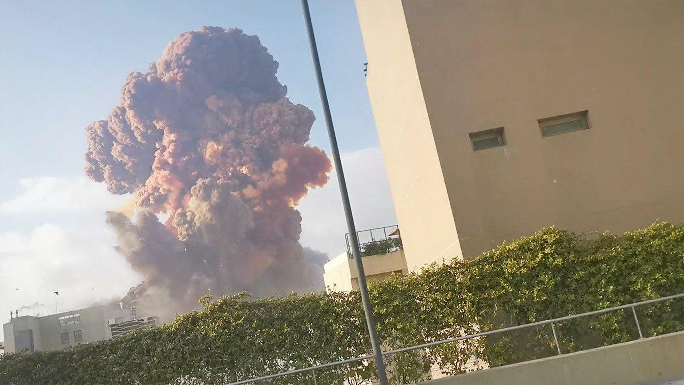 Explosão deixa Beirute, capital do Líbano, com cenas de guerra ...
