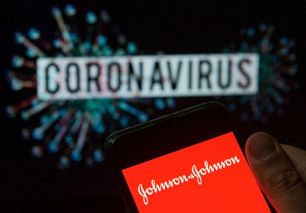 Vacina da Johnson & Johnson estimula anticorpos em 98% dos pacientes   Exame