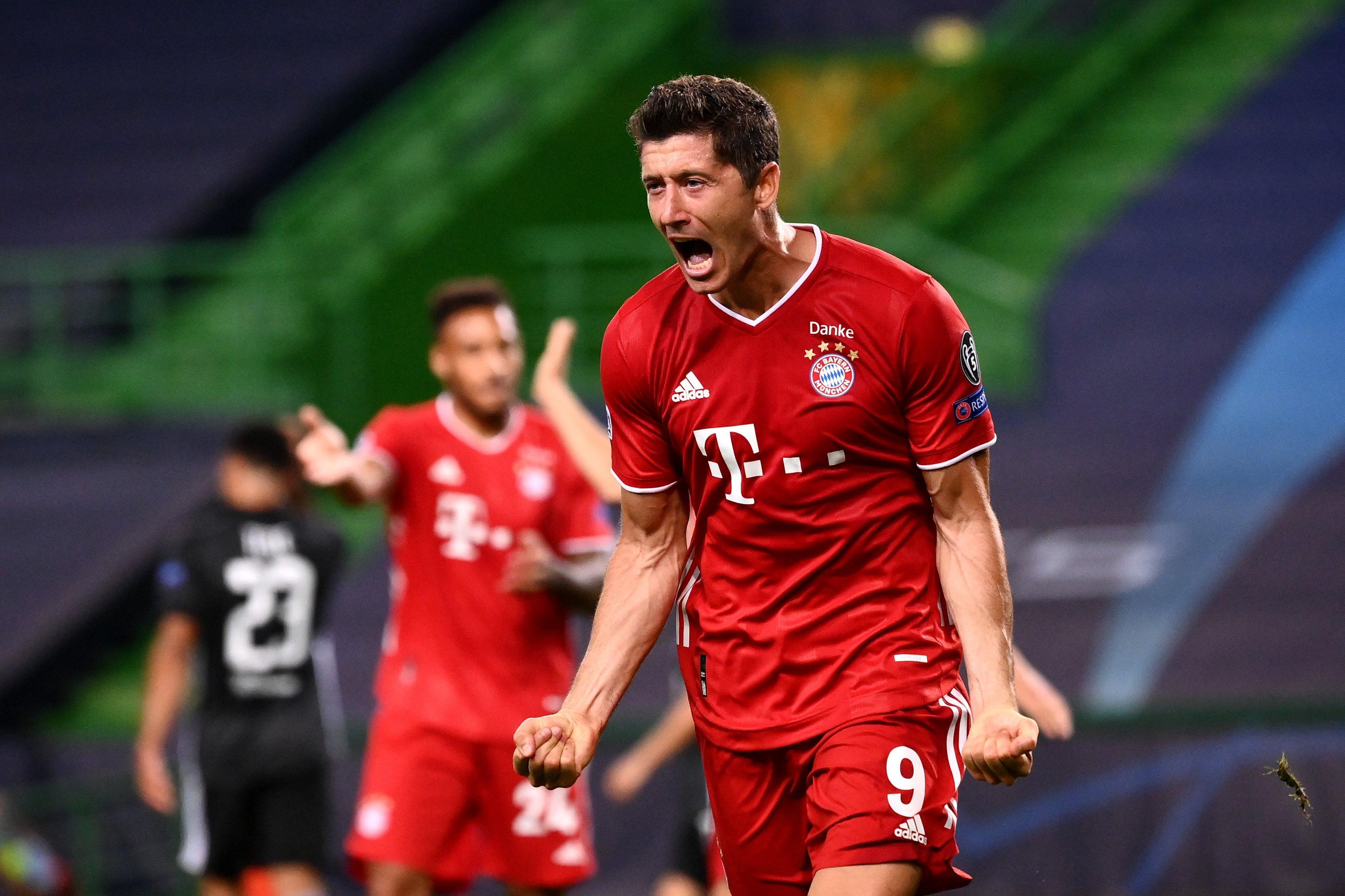Robert Lewandowski, do Bayern de Munique, comemora seu gol contra o Lyon, na semifinal da Liga dos Campeões, em Lisboa (19/8/2020)