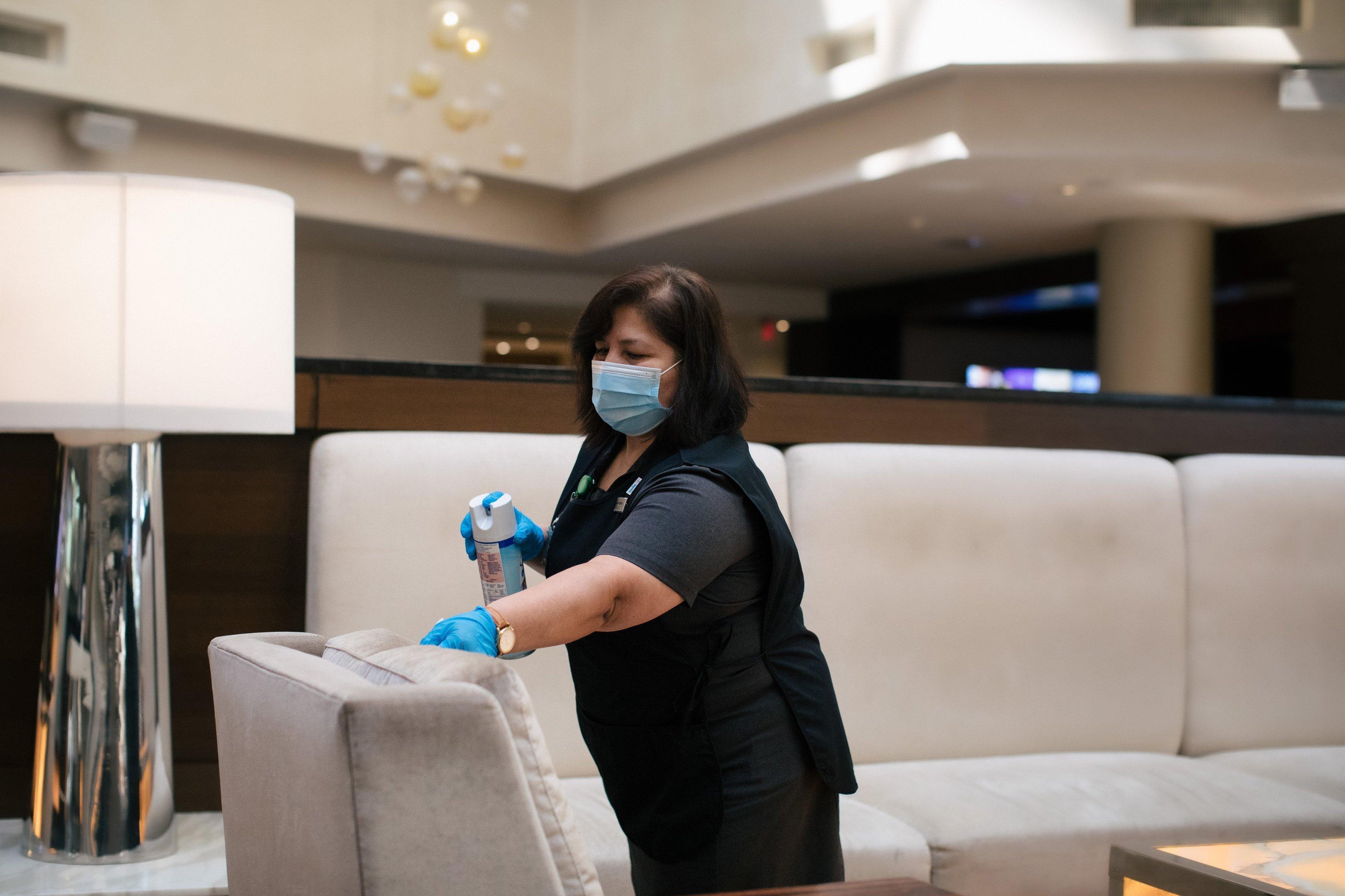 No hotel Hilton McLean Tysons Corner, limpeza de área comum por conta do coronavírus