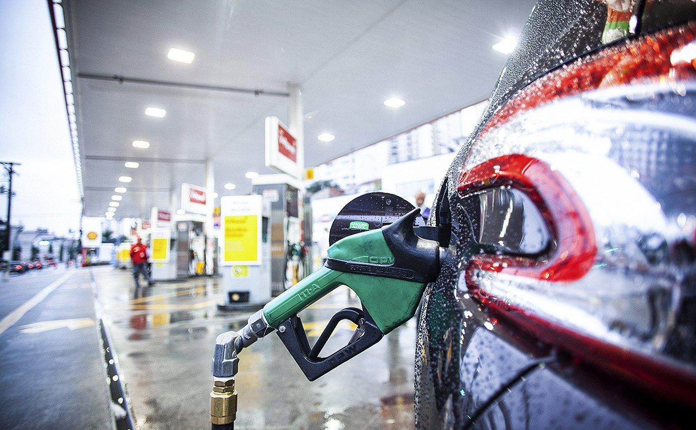 Após crítica de Bolsonaro, Inmetro diz que vai intensificar fiscalização em postos de gasolina