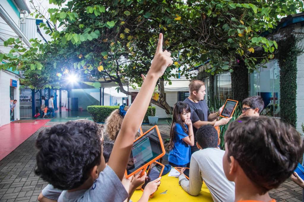 Escola Elvira Brandão na zonal Sul, aula de Biologia do professor Felipe Limão Foto: Leandro Fonseca