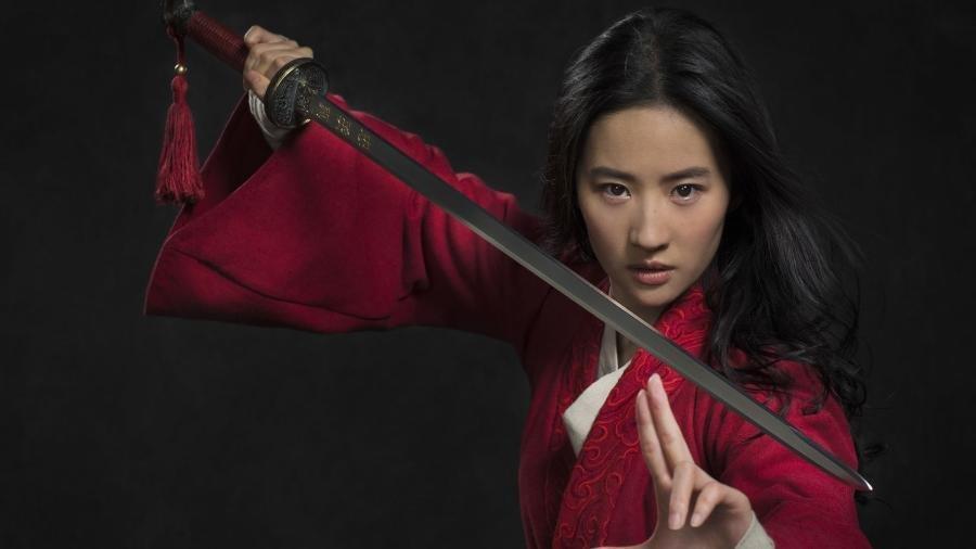 Atriz que interpreta a personagem Mulan em novo filme da Disney