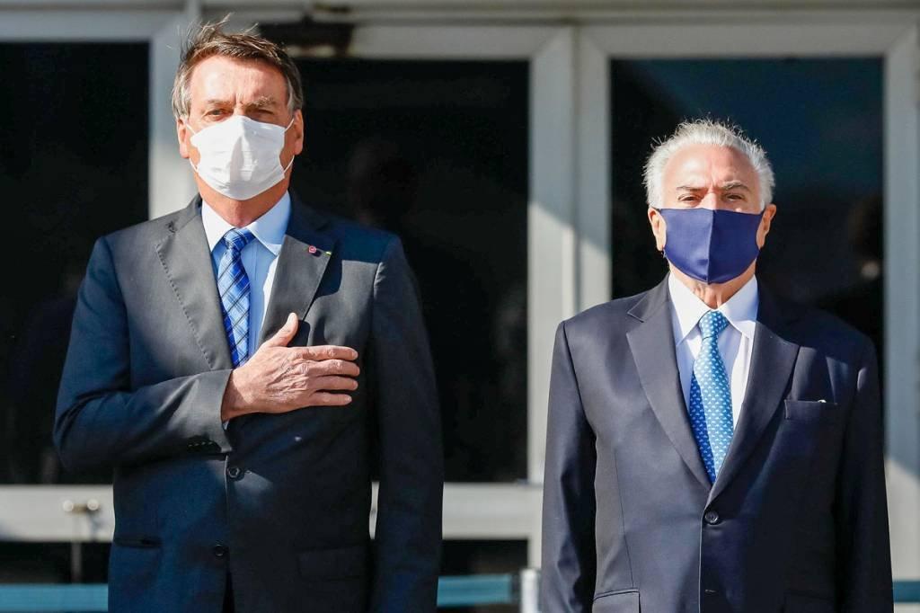(São Paulo - SP, 12/08/2020) O presidente Jair Bolsonaro e o ex presidente Michel Temer na Solenidade alusiva à partida da comitiva brasileira em Missão Especial a Beirute Foto: Alan Santos/PR
