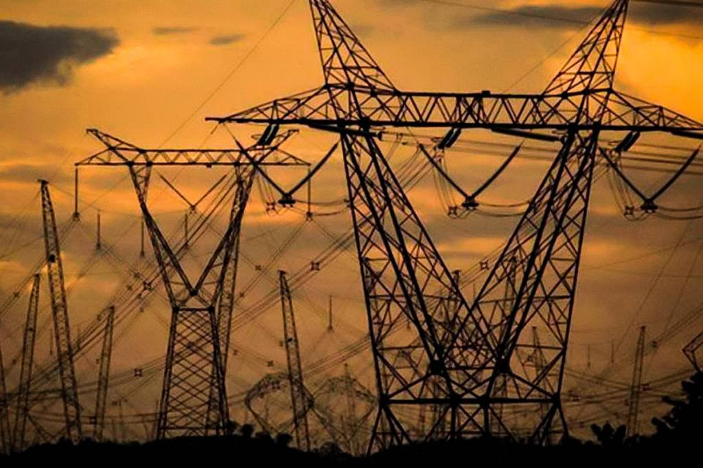 Eletricidade e gás, água, esgoto e limpeza urbana: -2,6%