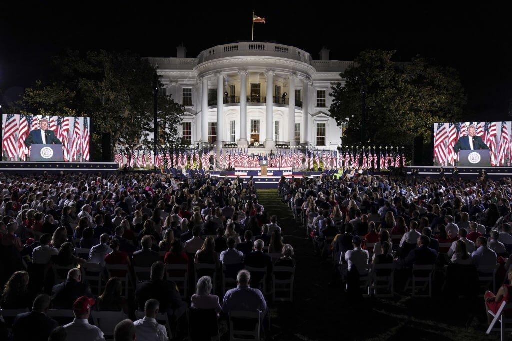 Com Biden, ninguém estará seguro, diz Trump na Casa Branca durante convenção republicana