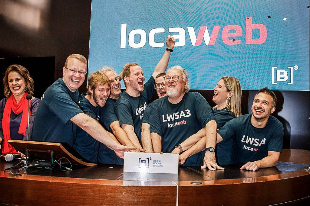 Locaweb prepara terreno para nova oferta