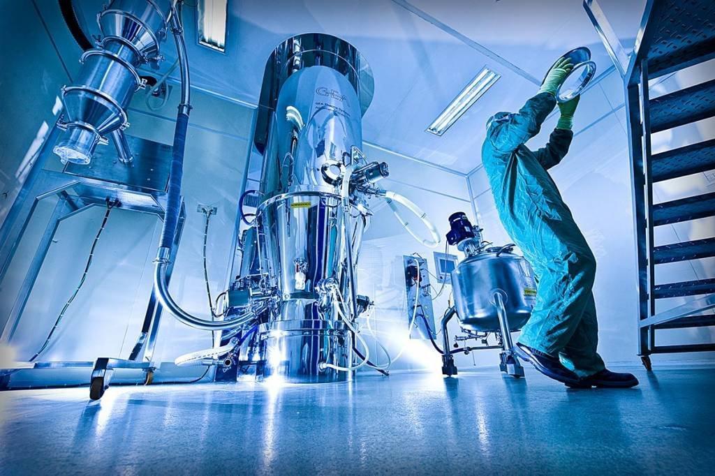 TEUTO; produção; farmacêutica; laboratório; Anápolis/GO