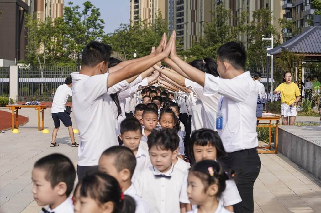 Wuhan, cidade na China onde surgiu a covid-19, reabre as escolas