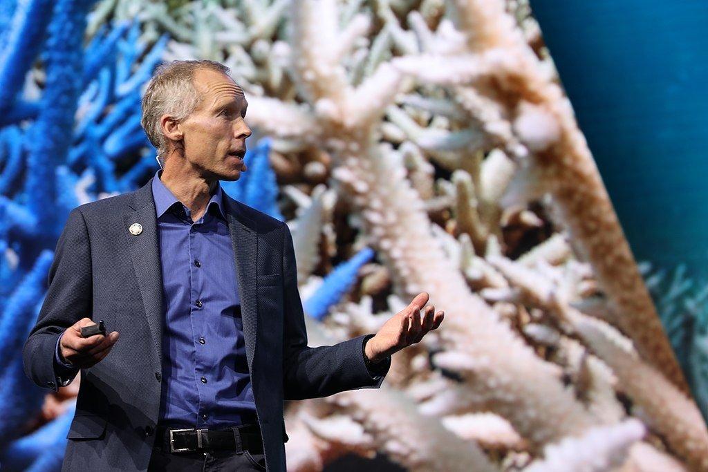 """Johan Rockström: """"O planeta não dá a mínima importância para o que está acontecendo. Ele vai continuar a existir independentemente do que a humanidade faça. Nós não"""""""