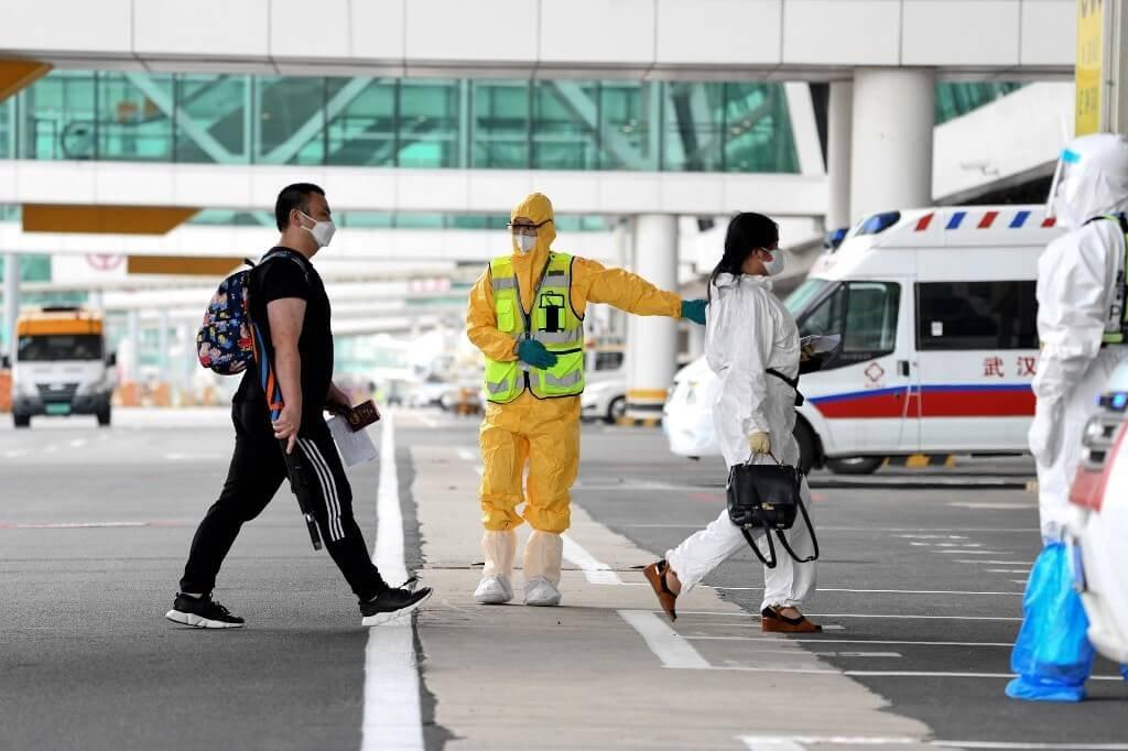 Wuhan, epicentro da covid-19, recebe 1º voo internacional desde janeiro