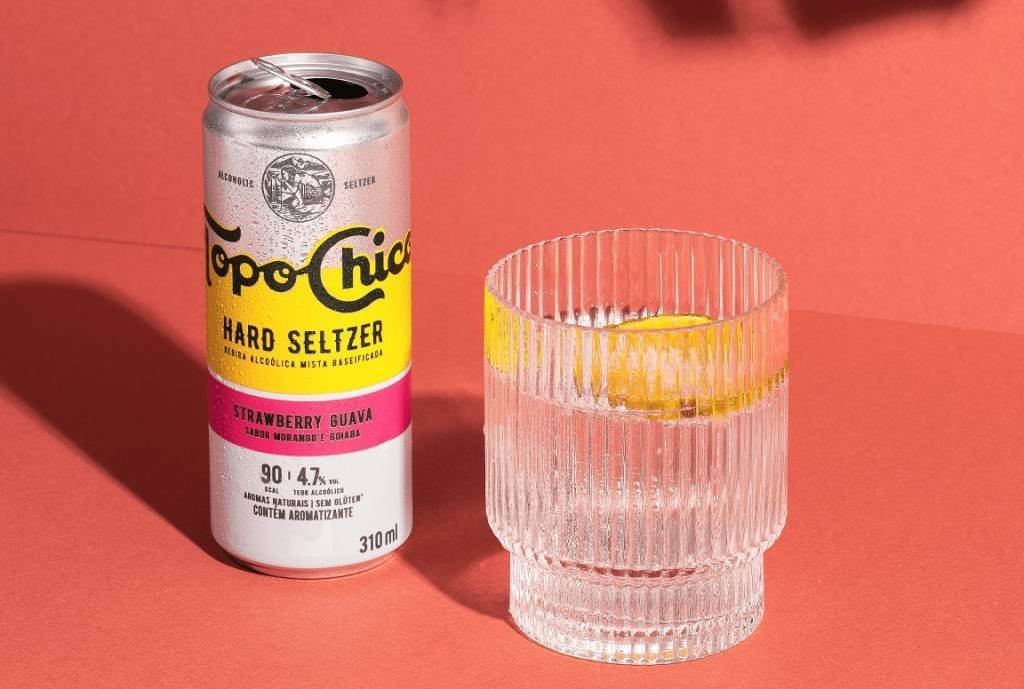 TOPO CHICO 4 After Coca-Cola, another brand bets on drinks that fight with beer