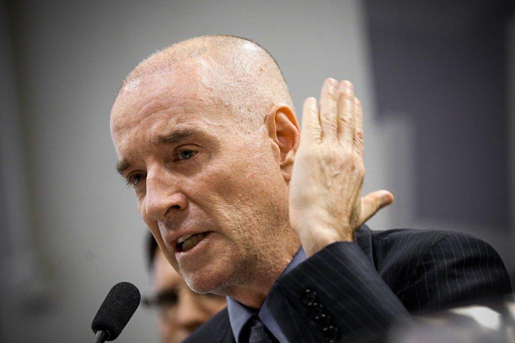 Eike Batista - Eike Santander e minoritário querem barrar retorno à OSX