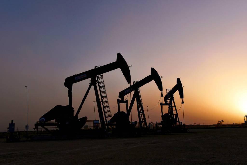 Equipamentos de extração de petróleo em campos terrestres: especialidade da 3R Petroleum