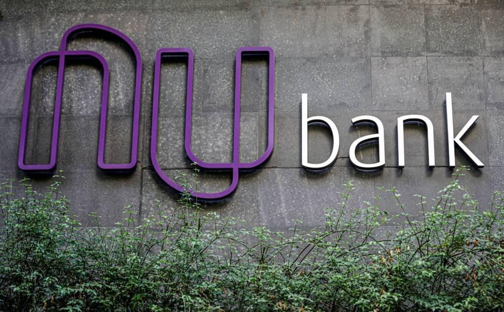 O logotipo da Nubank, uma startup brasileira da FinTech, está retratado na sede do banco em São Paulo, Brasil, em 19 de junho de 2018. Foto tirada em 19 de junho de 2018. REUTERS / Paulo Whitaker