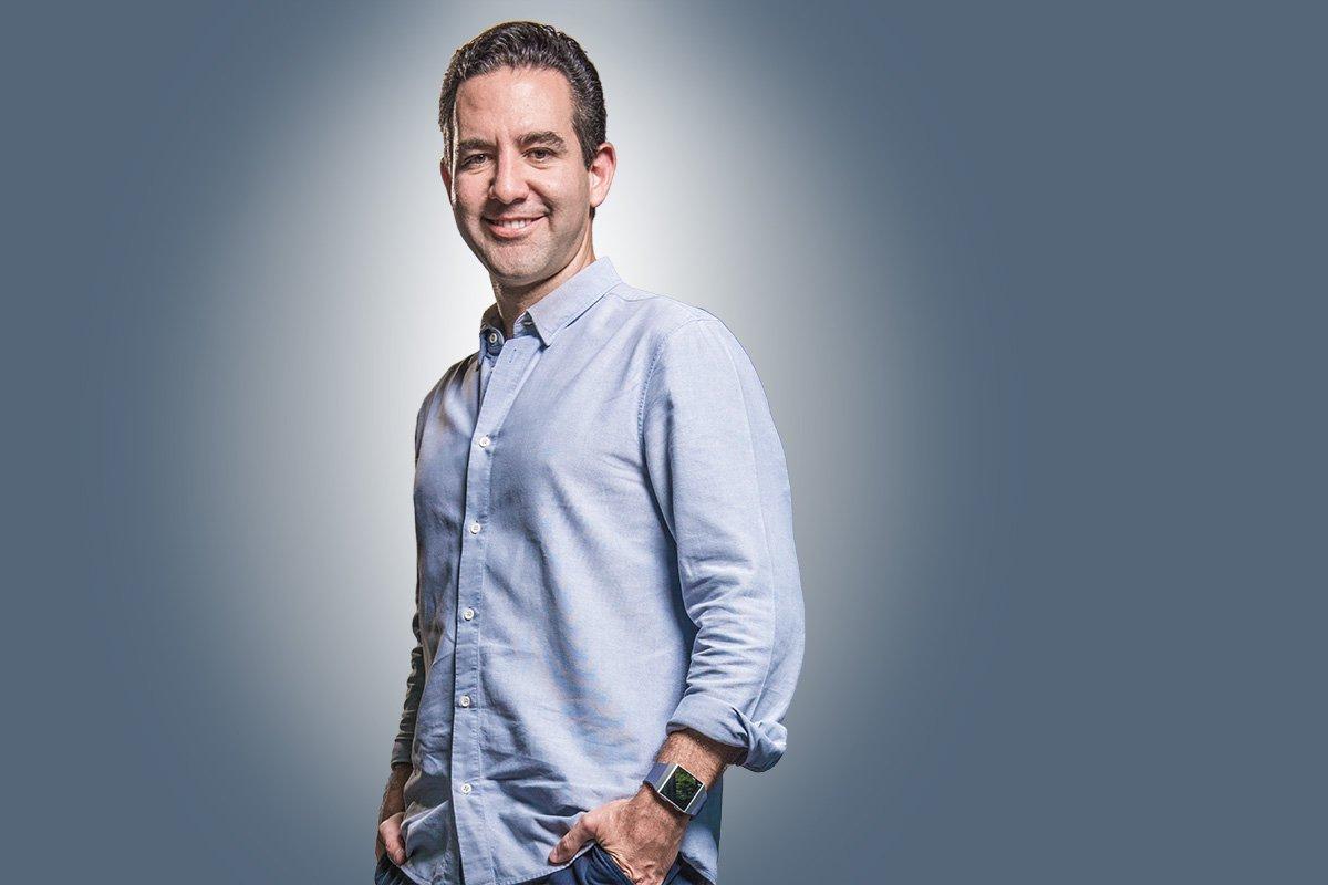 Bússola transmite ao vivo evento da Fundação Estudar com CEO do Nubank