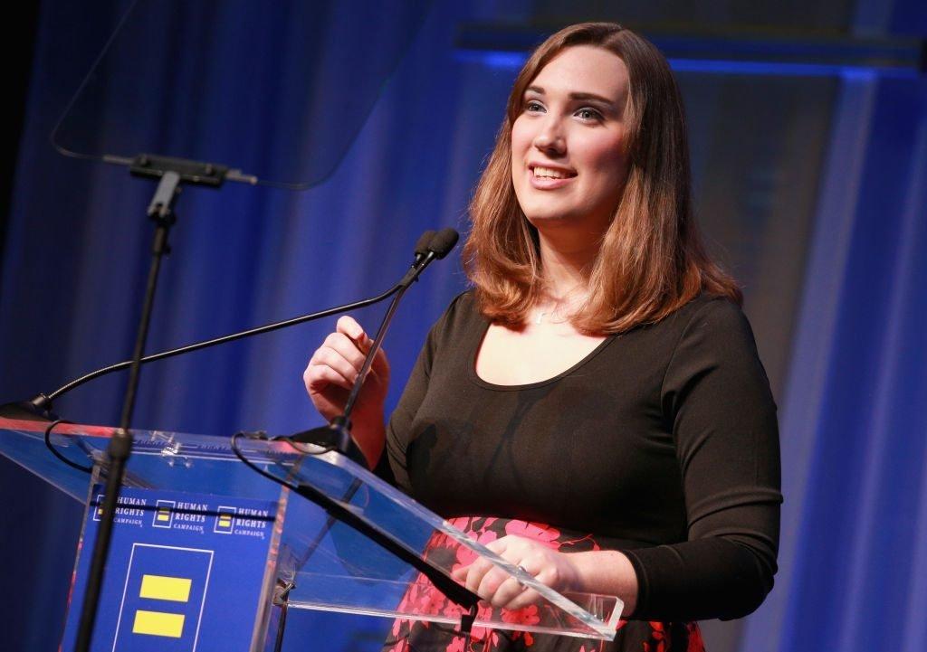Sarah McBride é eleita primeira senadora trans dos Estados Unidos (Foto: Reprodução / Exame)