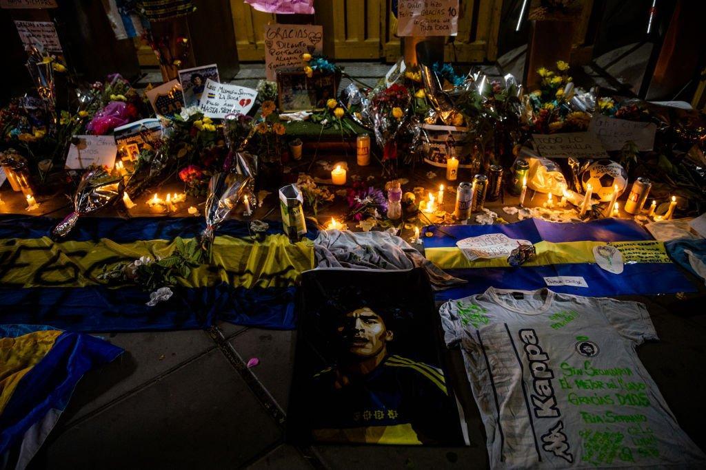 Morte Maradona: torcedores do Boca fazem homenagens ao jogador