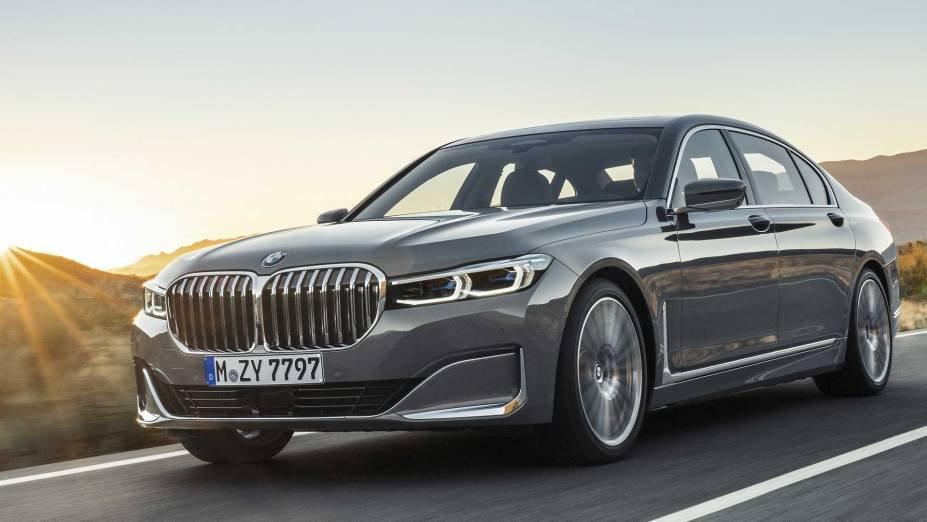 BMW Série 7: -15,99%
