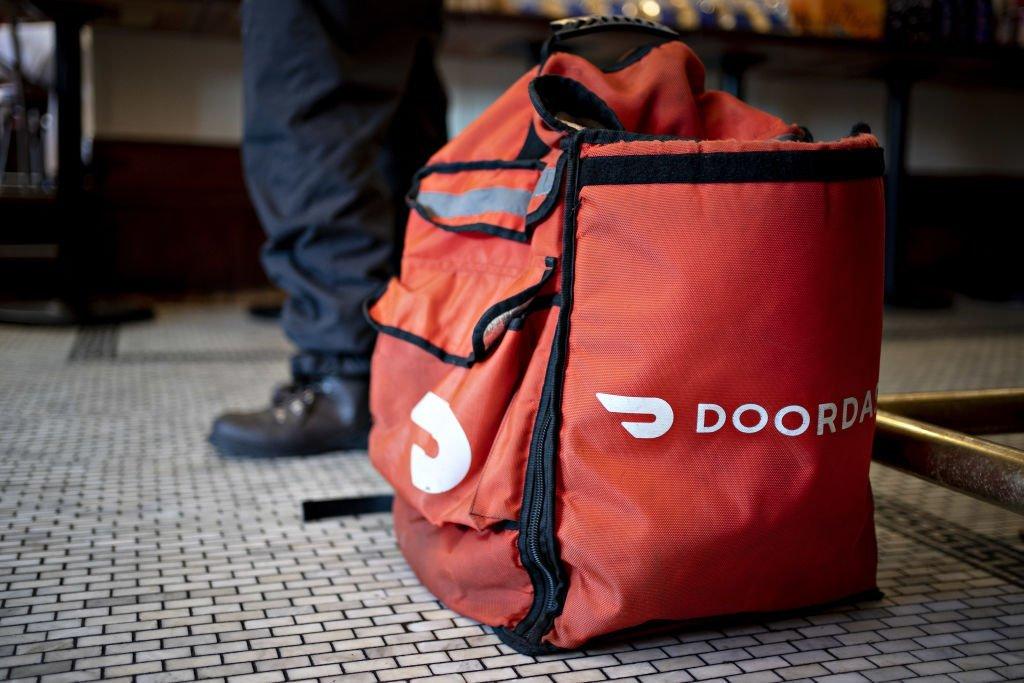 Entregador do DoorDash nos Estados Unidos