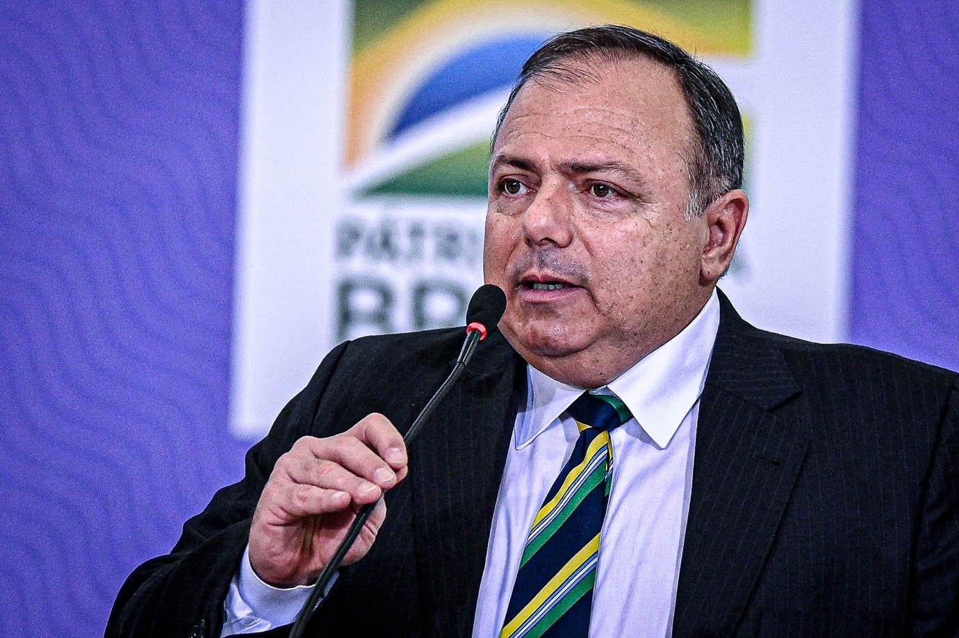 O ministro da Saúde do Brasil, Eduardo Pazuello, fala durante a cerimônia de lançamento do Plano Nacional de Operacionalização da Vacinação contra COVID-19 no Palácio do Planalto, em Brasília, Brasil, na quarta-feira, 16 de dezembro de 2020. (Foto de Andre Borges / NurPhoto via Getty Images)