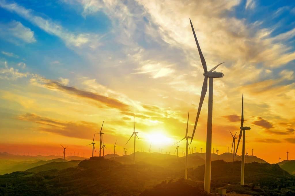 turbinas eólicas no parque eólico de Oiz. país Basco