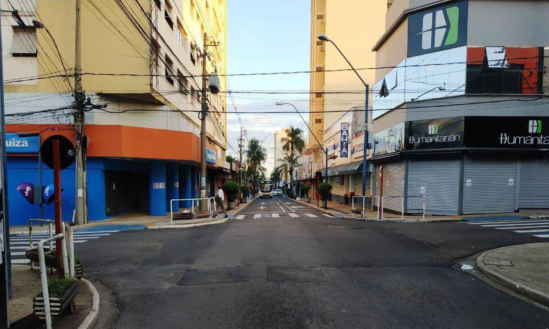 Araraquara decide prorrogar lockdown contra covid-19 até sábado