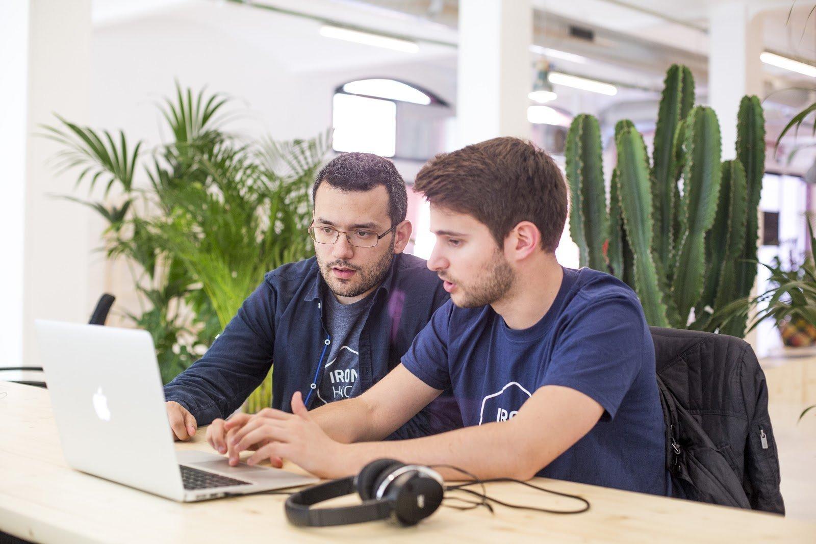 Escola de programação abre vagas para bootcamps na área de tecnologia