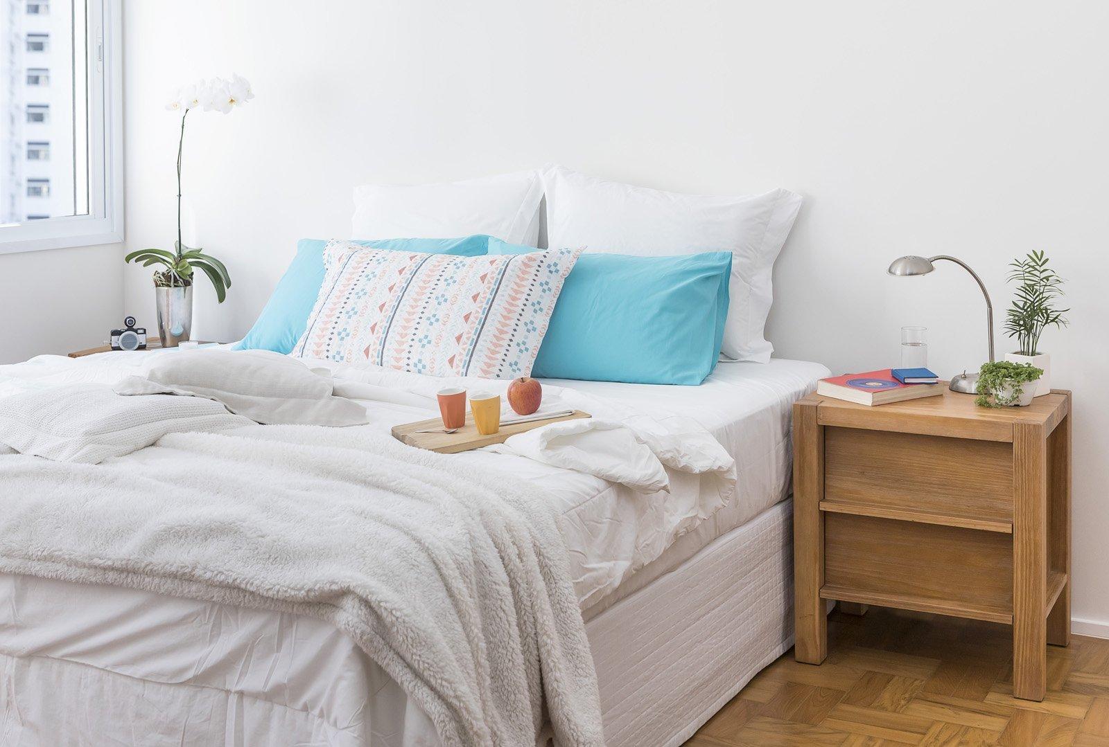 Dormitório decorado com móveis da Tuim